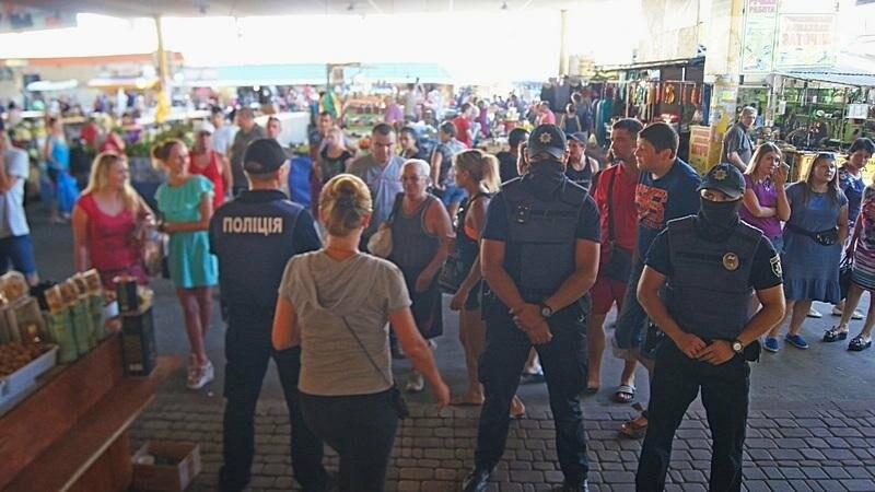 Как на «Привозе» иностранцы от одесской полиции убегали (ФОТО, ВИДЕО), фото-17