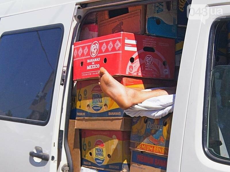Как на «Привозе» иностранцы от одесской полиции убегали (ФОТО, ВИДЕО), фото-19