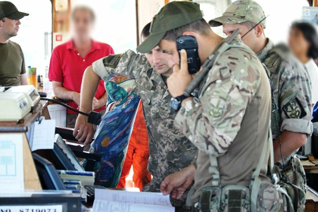 В Одесской области пограничники задержали теплоход под флагом Белиза (ФОТО, ВИДЕО), фото-1