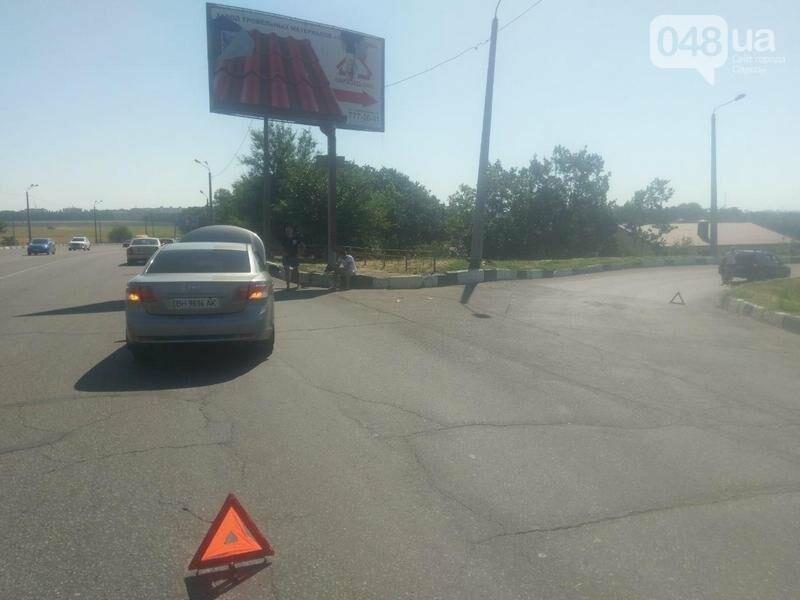 С Днем ВДВ: Под Одессой пьяный десантник врезался в копов, занятых другой аварией (ФОТО), фото-2