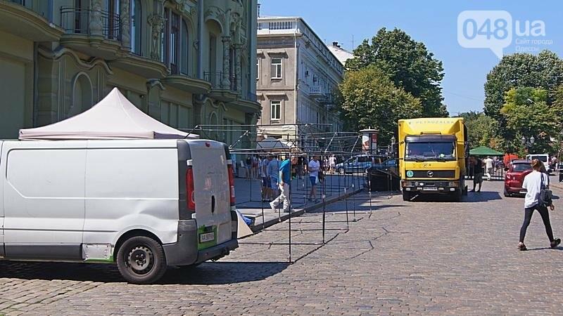 На Дерибасовской растет ярмарка: стало меньше места для прогулок (ФОТО), фото-1