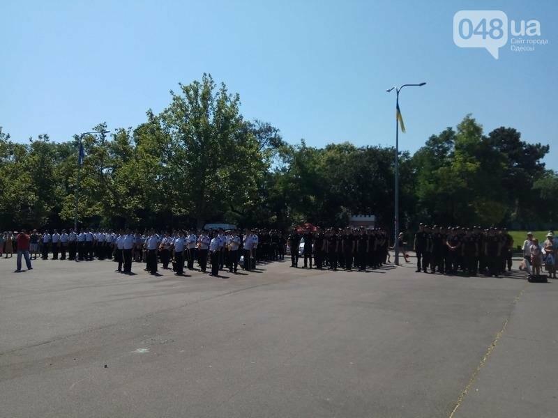 Труханов вернулся из отпуска праздновать День полиции (ФОТО, ВИДЕО), фото-6