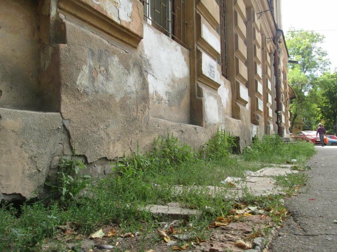 В Одессе памятник архитектуры облюбовали бомжи, алкоголики и дети (ФОТО), фото-12
