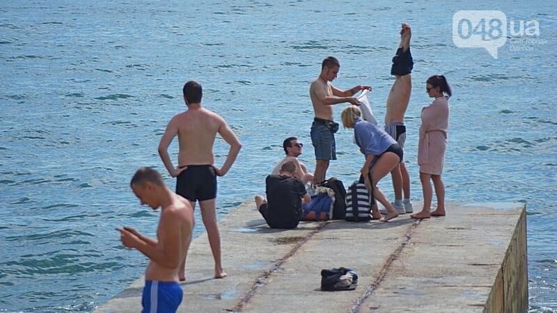 «Нерезиновые» одесские пляжи пока еще вмещают спасающихся от жары (ФОТО), фото-10