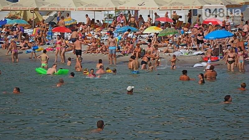 «Нерезиновые» одесские пляжи пока еще вмещают спасающихся от жары (ФОТО), фото-14
