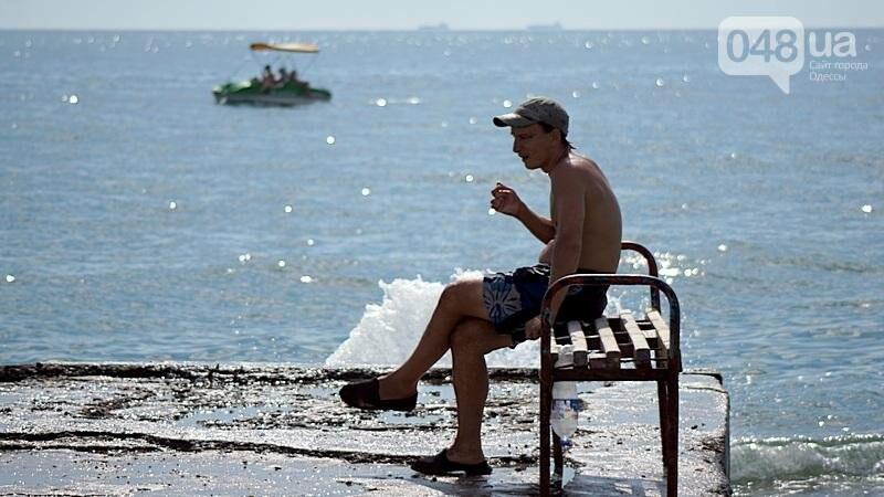 «Нерезиновые» одесские пляжи пока еще вмещают спасающихся от жары (ФОТО), фото-17