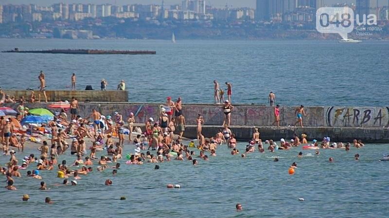 «Нерезиновые» одесские пляжи пока еще вмещают спасающихся от жары (ФОТО), фото-22