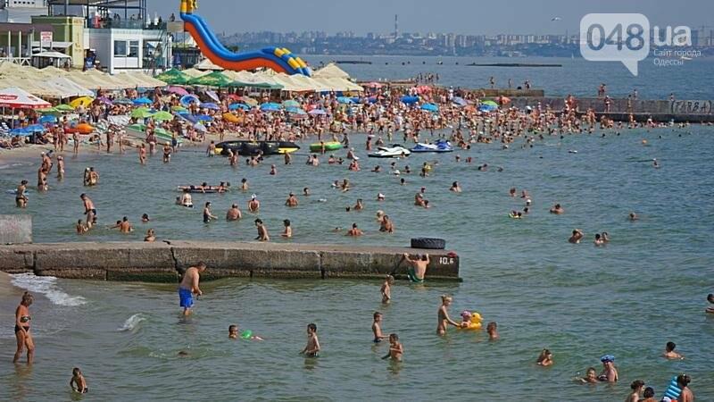 «Нерезиновые» одесские пляжи пока еще вмещают спасающихся от жары (ФОТО), фото-25