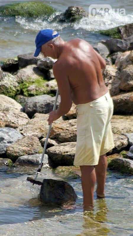 «Нерезиновые» одесские пляжи пока еще вмещают спасающихся от жары (ФОТО), фото-26