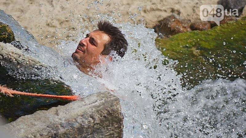 «Нерезиновые» одесские пляжи пока еще вмещают спасающихся от жары (ФОТО), фото-35