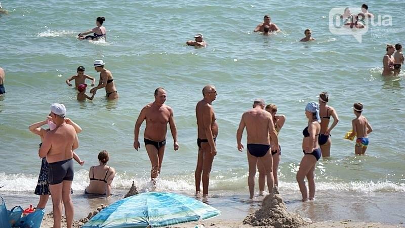 «Нерезиновые» одесские пляжи пока еще вмещают спасающихся от жары (ФОТО), фото-33