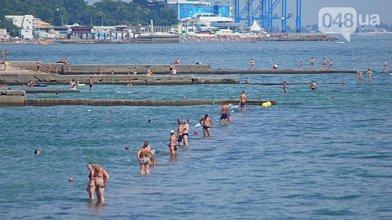 «Нерезиновые» одесские пляжи пока еще вмещают спасающихся от жары (ФОТО), фото-40
