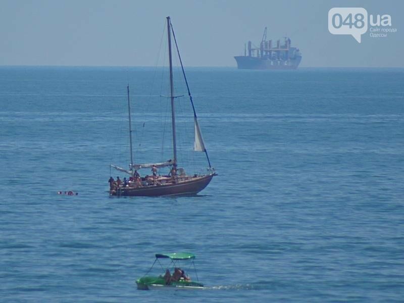 «Нерезиновые» одесские пляжи пока еще вмещают спасающихся от жары (ФОТО), фото-32
