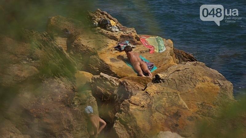 «Нерезиновые» одесские пляжи пока еще вмещают спасающихся от жары (ФОТО), фото-42