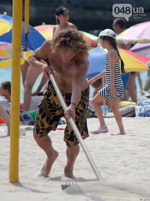 «Нерезиновые» одесские пляжи пока еще вмещают спасающихся от жары (ФОТО), фото-50
