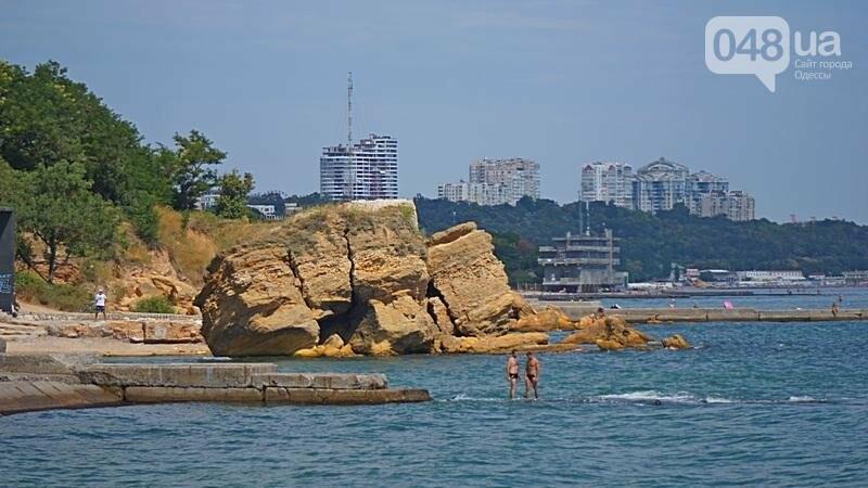 «Нерезиновые» одесские пляжи пока еще вмещают спасающихся от жары (ФОТО), фото-47
