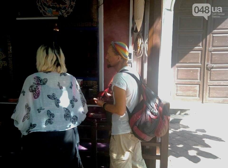 Горы мусора и скучающие туристы: В центре Одессы плохо пахнет (ФОТО), фото-6