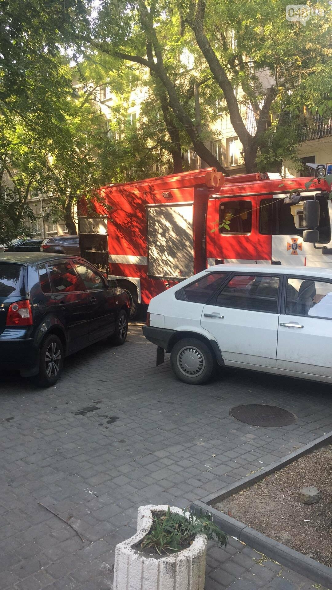 В центре Одессы пожарные подвозят воду больницам (ФОТО), фото-2
