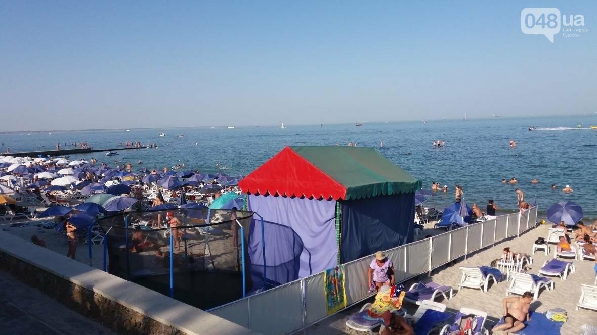 """Резиновый монстр захватил пляж на одесском """"Дельфине"""" (ФОТО), фото-2"""