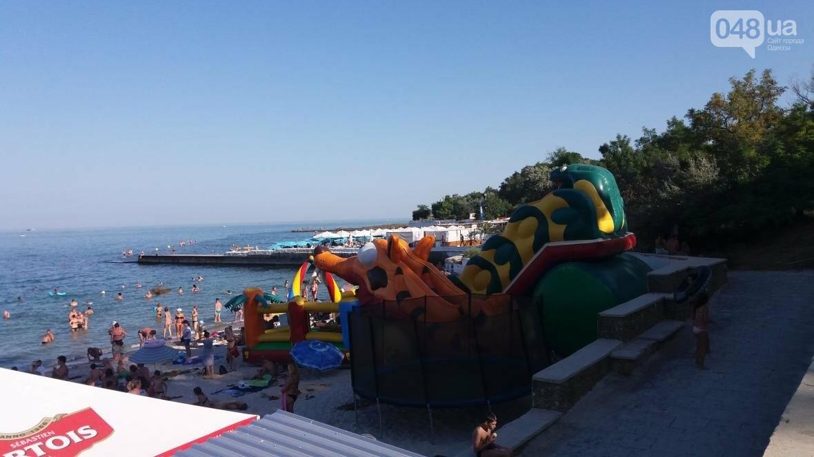 """Резиновый монстр захватил пляж на одесском """"Дельфине"""" (ФОТО), фото-1"""