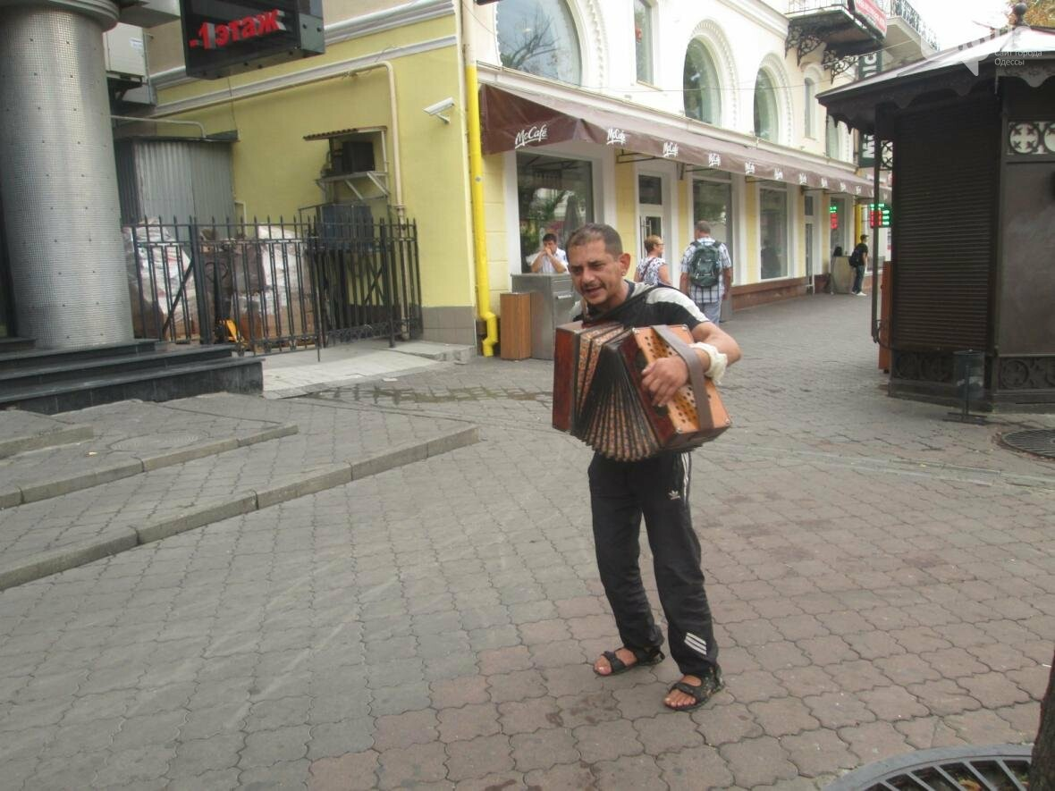 В центре Одессы вернули 1993 год (ВИДЕО), фото-2