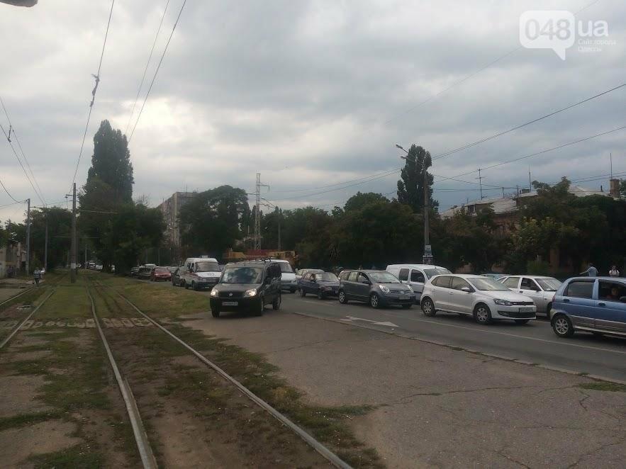 В Одессе автокран врезался в легковушку на Люстдорфской дороге (ФОТО), фото-1