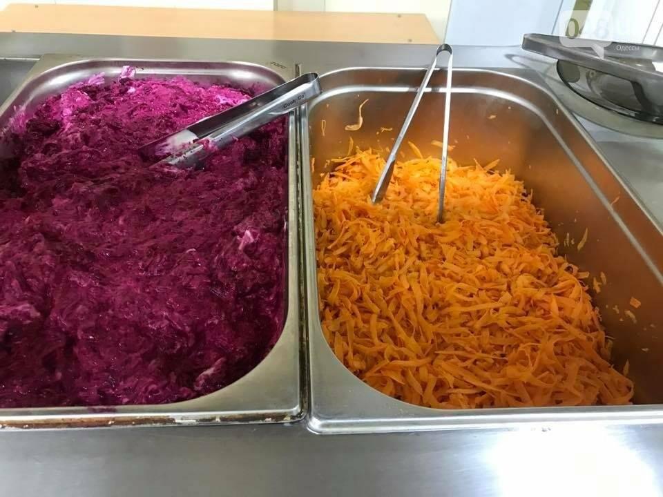 Как в ресторане: Одесских военных стали кормить по-нормальному (ФОТО), фото-1
