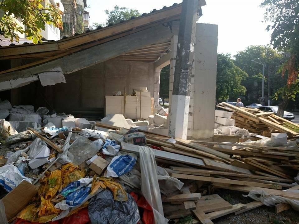 Скандал на одесских Черемушках: Горсовет снес нахалстрой (ФОТО), фото-3