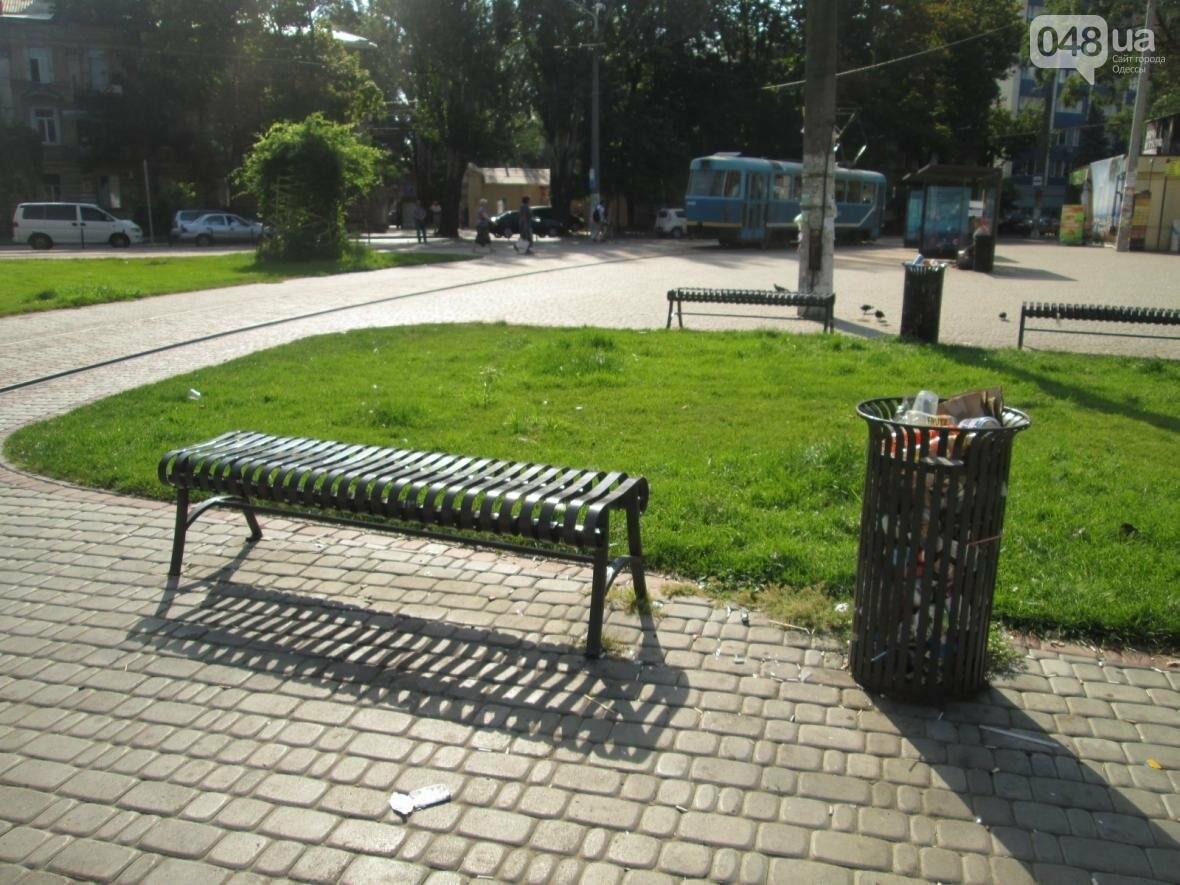 В центре Одессы коммунальщики отказываются убирать мусор (ФОТО), фото-11