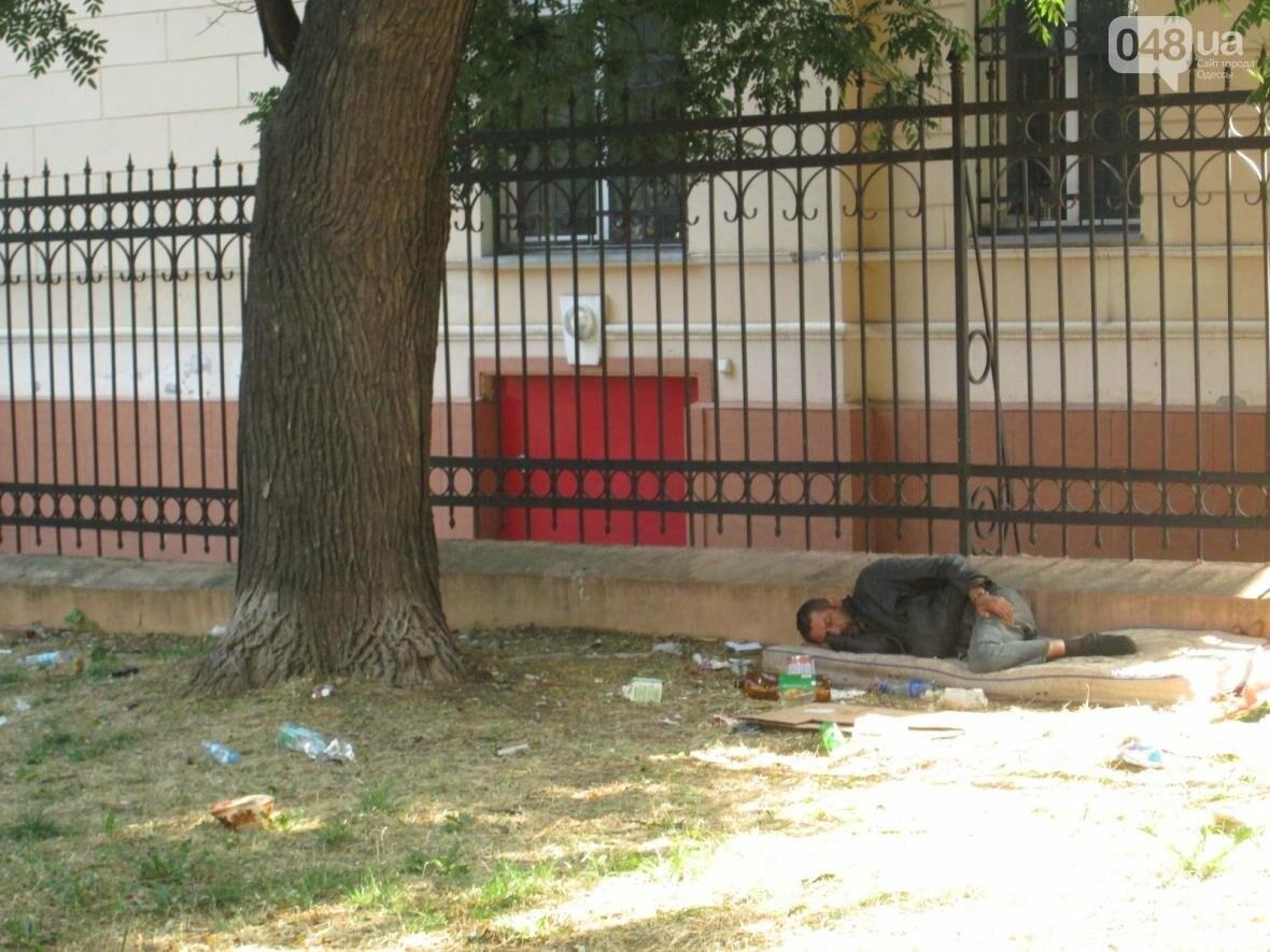 В центре Одессы коммунальщики отказываются убирать мусор (ФОТО), фото-4