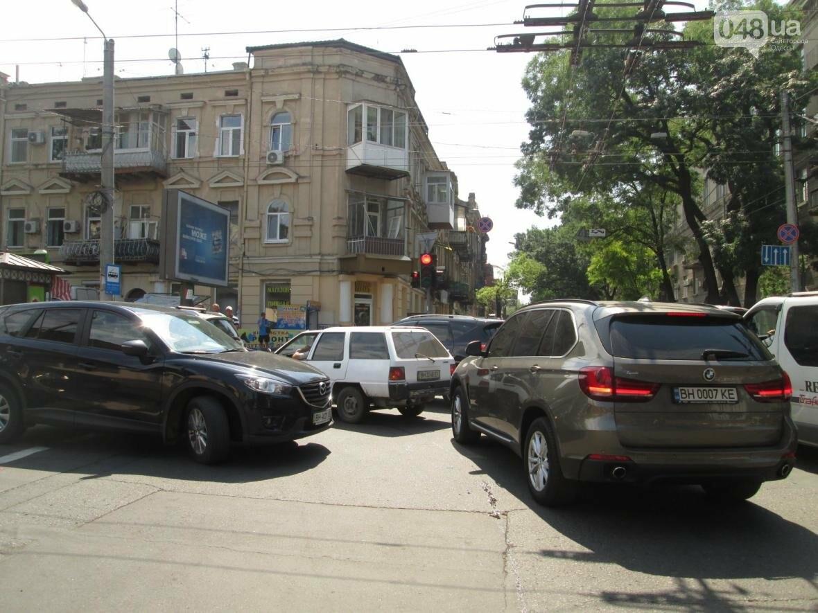 Хаос и анархия на дорогах: В Одессе меняют теплосети (ФОТО, ВИДЕО), фото-6