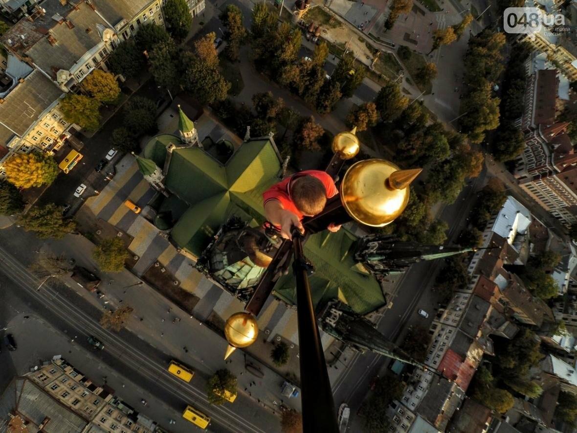 Мороз по коже: Львовский верхолаз пробрался на крышу одесского небоскреба (ФОТО), фото-5