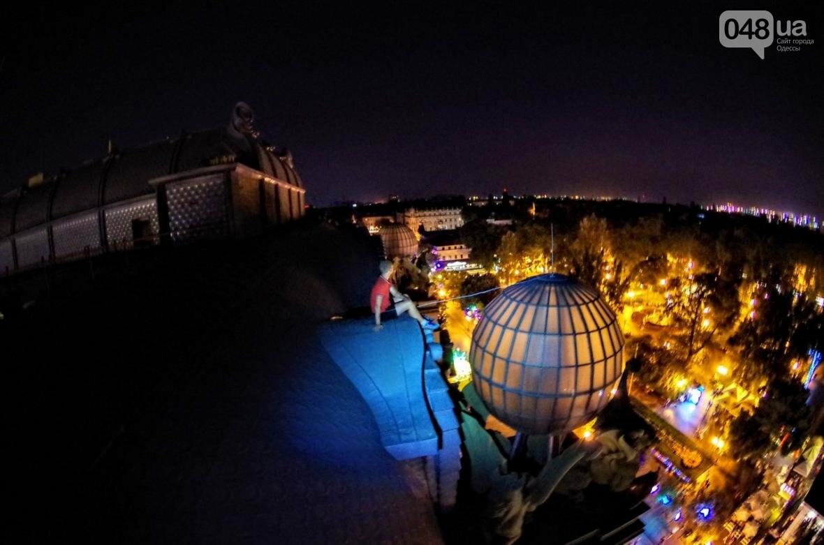 Мороз по коже: Львовский верхолаз пробрался на крышу одесского небоскреба (ФОТО), фото-3