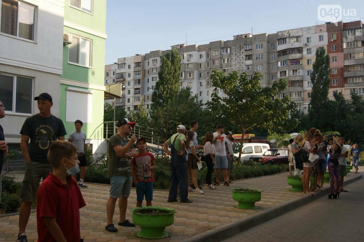 Это смело: Как граффитчики за сутки изменили торговый центр в Одессе (ФОТО, ВИДЕО), фото-4