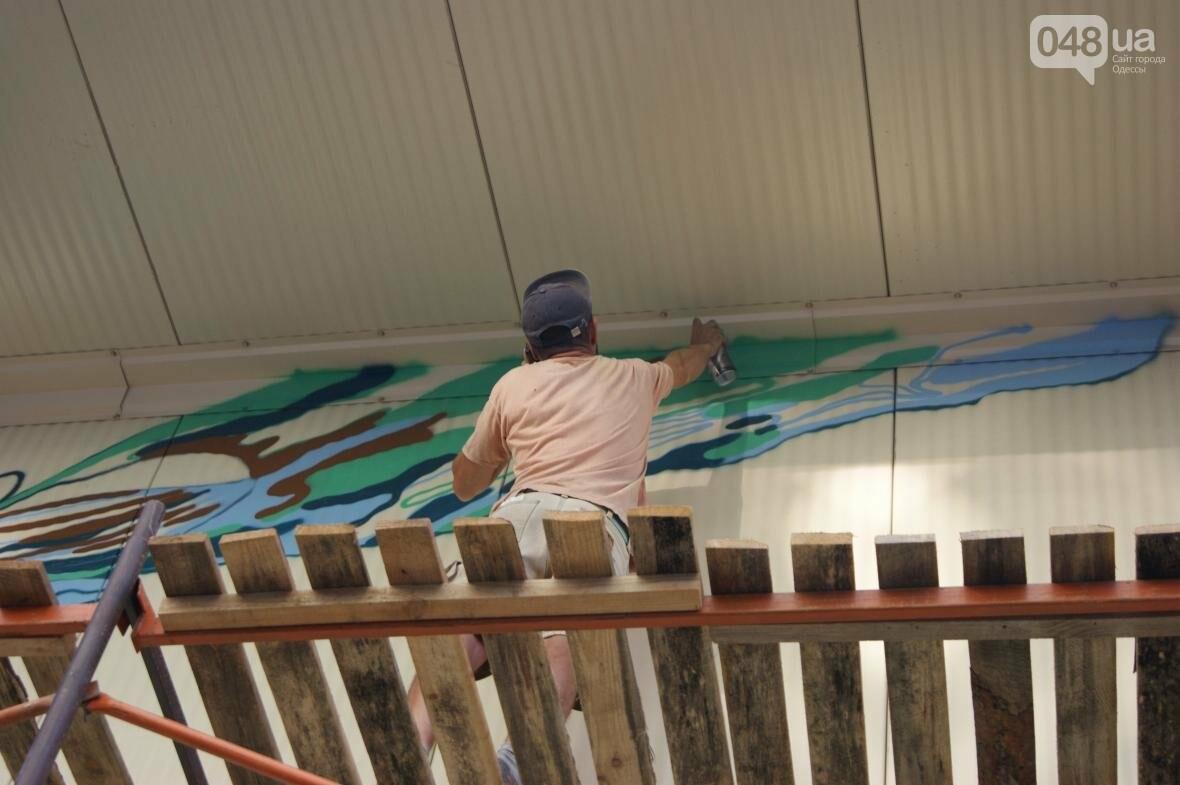 Это смело: Как граффитчики за сутки изменили торговый центр в Одессе (ФОТО, ВИДЕО), фото-8