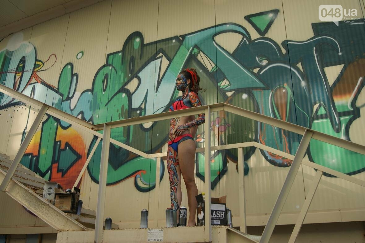 Это смело: Как граффитчики за сутки изменили торговый центр в Одессе (ФОТО, ВИДЕО), фото-11