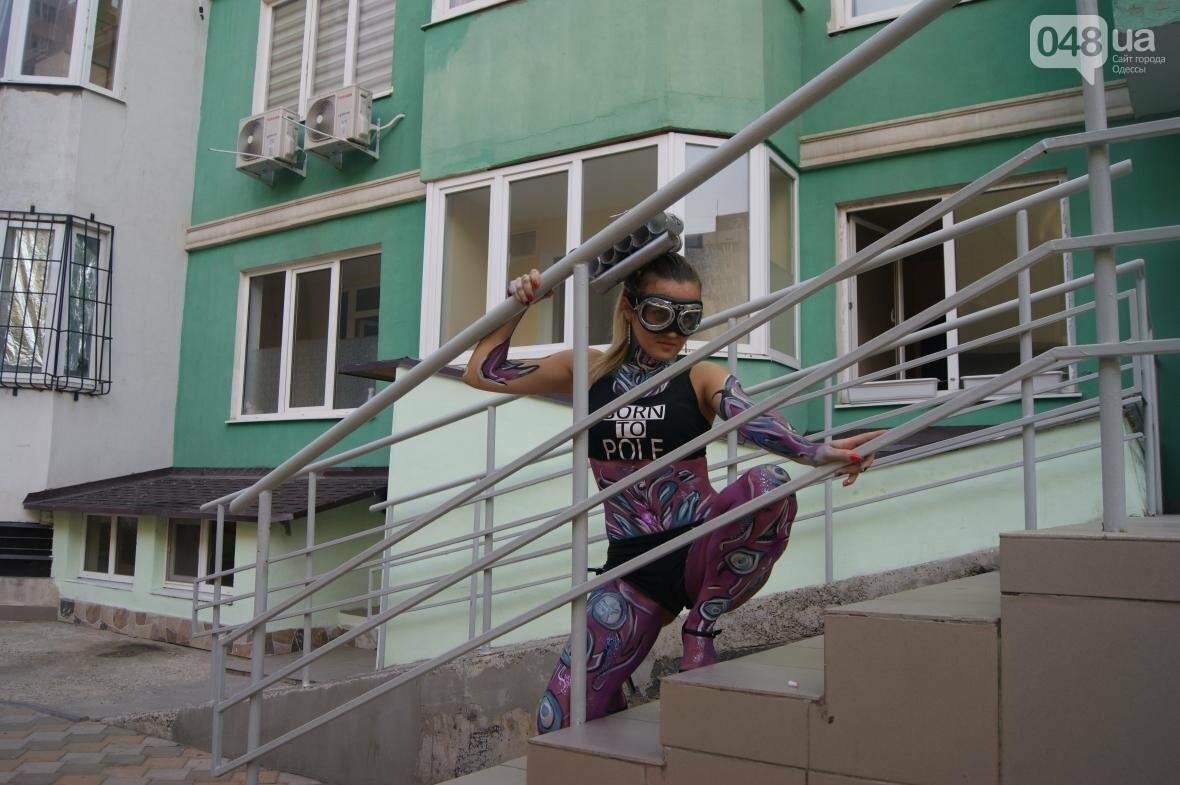 Это смело: Как граффитчики за сутки изменили торговый центр в Одессе (ФОТО, ВИДЕО), фото-13