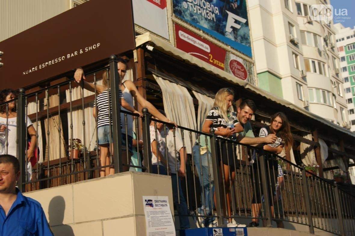 Это смело: Как граффитчики за сутки изменили торговый центр в Одессе (ФОТО, ВИДЕО), фото-14