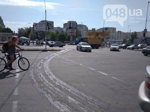 В одесской аварии у авто оторвало колесо, другая машина в хлам (ФОТО), фото-3