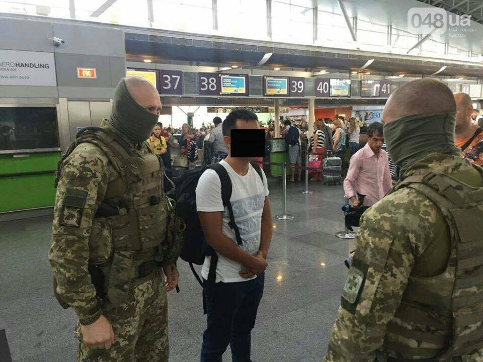 В Одессе китайский студент пытался забрать украинок в секс-рабство (ФОТО), фото-2