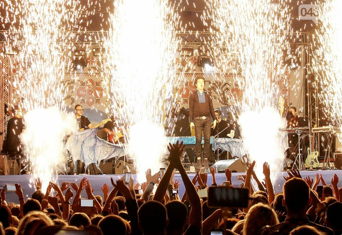 Концерт, салют и лазер-шоу: как одесситы гуляли на Дне Независимости с «Pianoбой» и «Другой Рікой» (ФОТО), фото-8