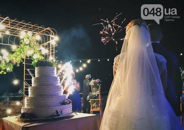 Скромные волонтер и радикал сыграли свадьбу в пафосном ресторане Одессы (ФОТО), фото-14