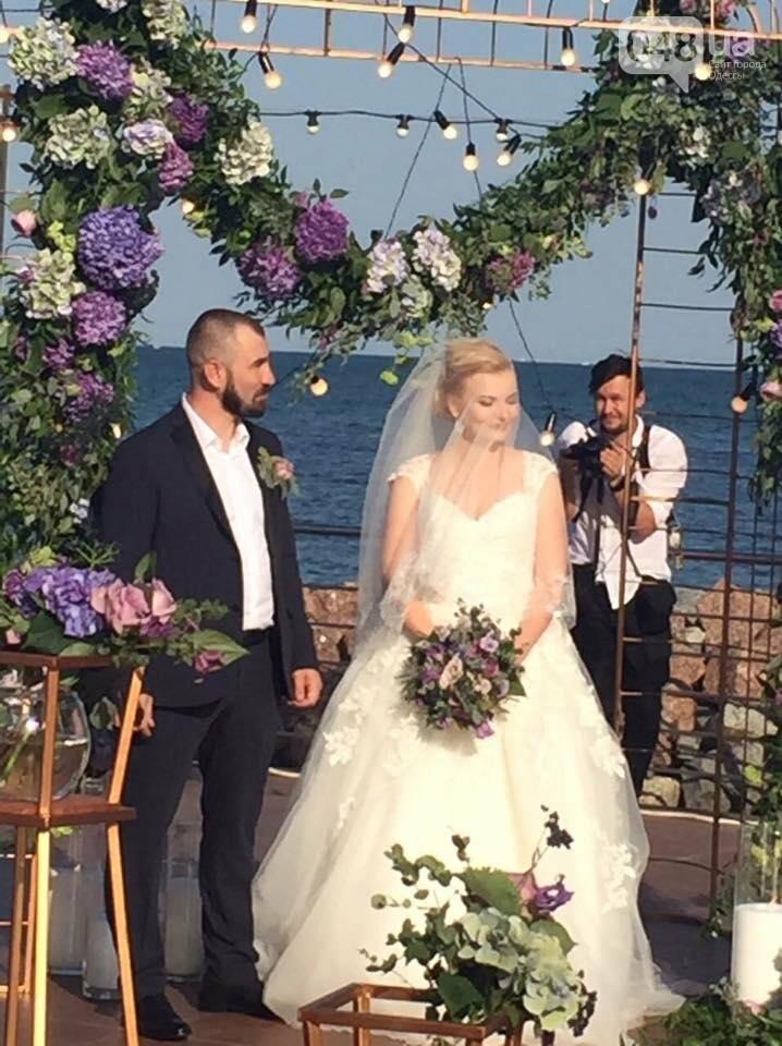 Скромные волонтер и радикал сыграли свадьбу в пафосном ресторане Одессы (ФОТО), фото-18