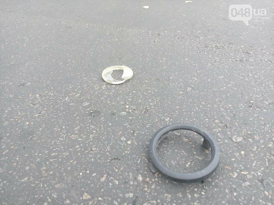 В Одессе на Привокзальной штанга от троллейбуса влетела в машину (ФОТО), фото-2