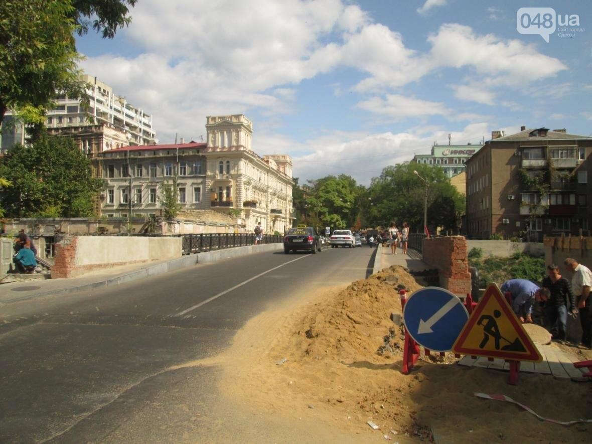 Новая ограда и свежая ржавчина: Как ремонтируют легендарный одесский мост (ФОТО), фото-3