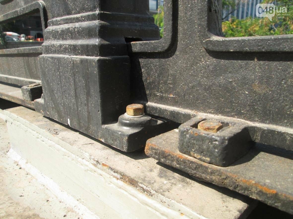 Новая ограда и свежая ржавчина: Как ремонтируют легендарный одесский мост (ФОТО), фото-13