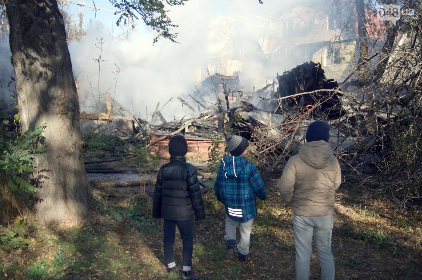 Одесский санаторий продолжает гореть до сих пор (ФОТО, ВИДЕО), фото-18