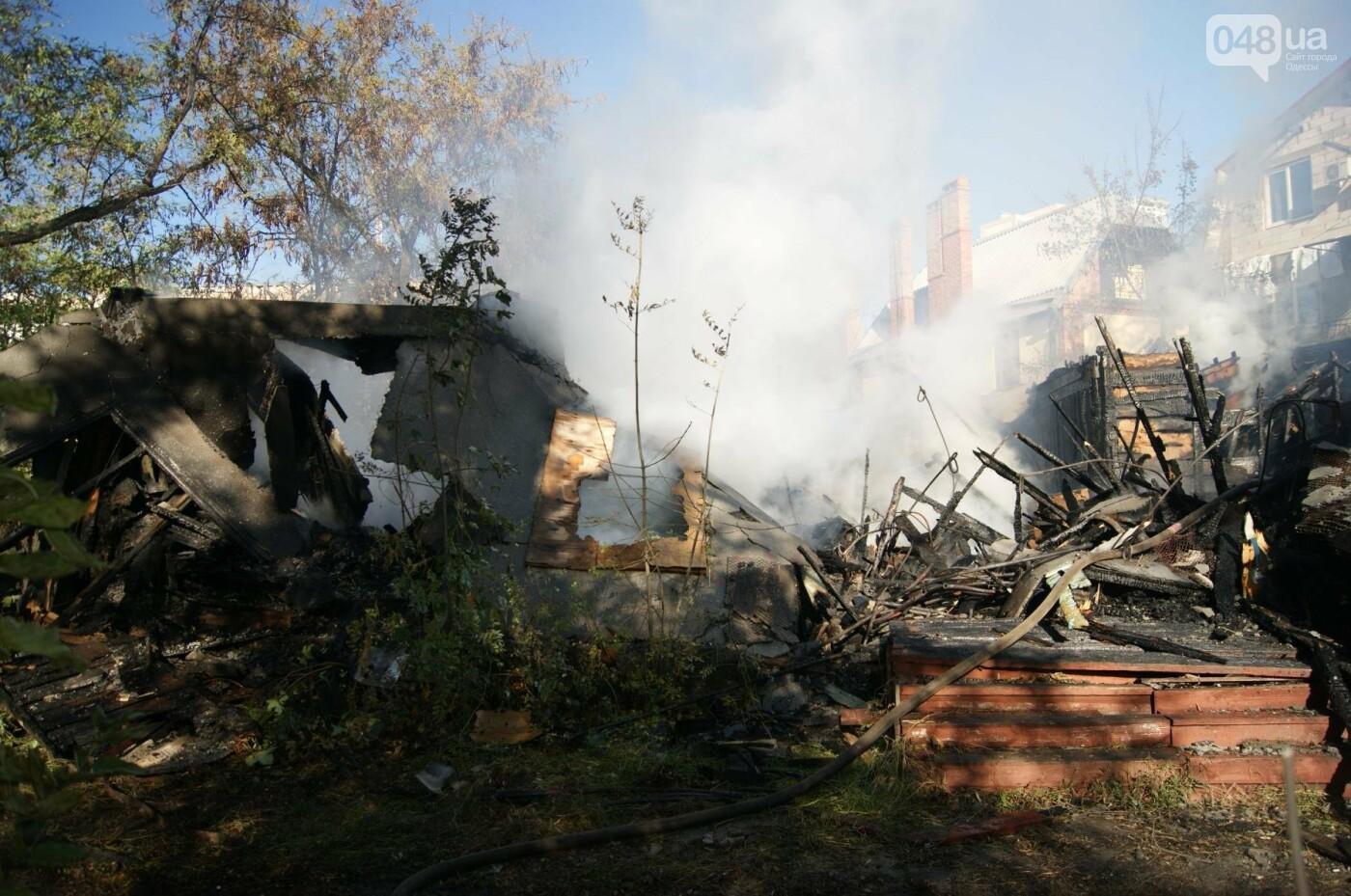 Одесский санаторий продолжает гореть до сих пор (ФОТО, ВИДЕО), фото-17