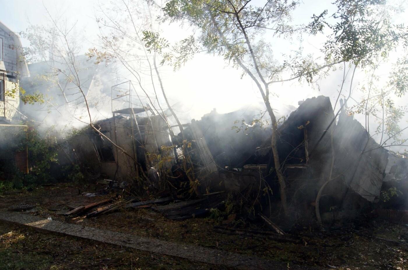 Одесский санаторий продолжает гореть до сих пор (ФОТО, ВИДЕО), фото-16