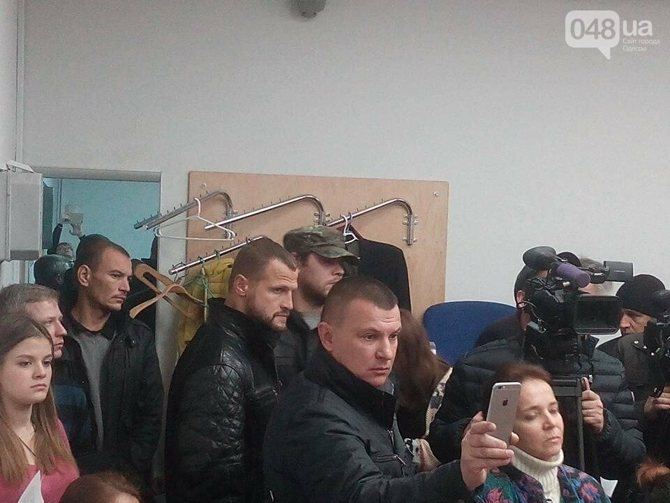 """""""Айдаровцы"""" срывали пресс-конференцию в Одессе в такой же форме, как у захватчиков аэродрома (ФОТО, ВИДЕО), фото-2"""